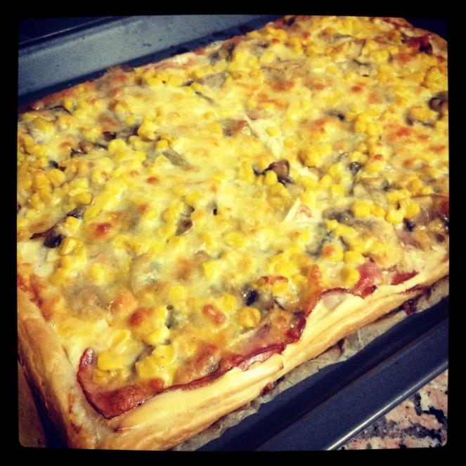 Hojaldre de bacon, queso y champis
