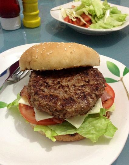 Hamburguesa casera la cocina divertida for La cocina casera