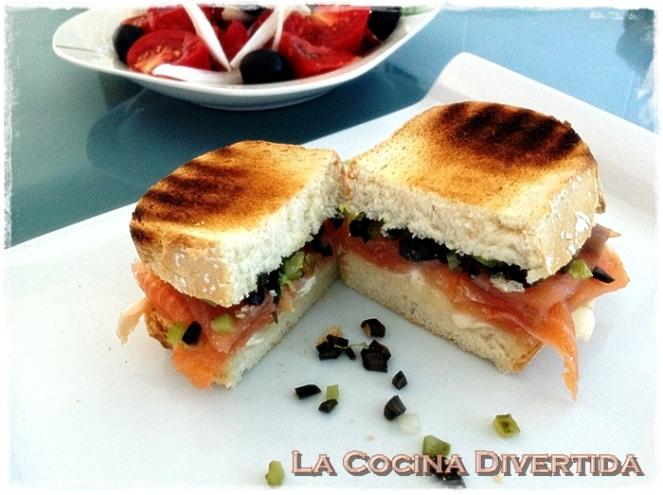 Sandwich de salmon y queso