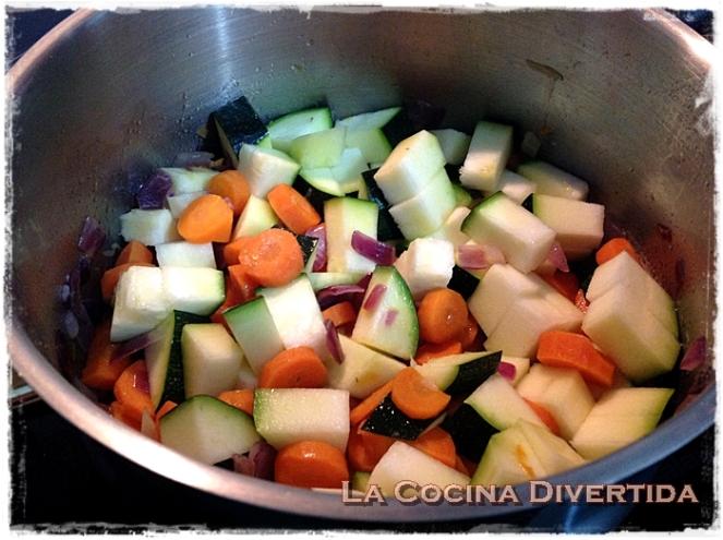 Crema de calabacín y zanahoria con salsa de soja