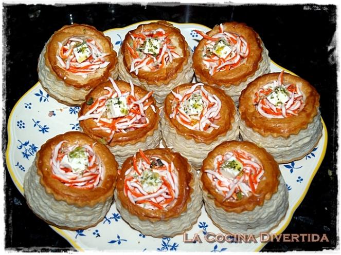 Volovanes rellenos de ensalada de gulas de cangrejo