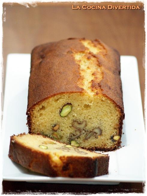 plum cake de mantequilla al ron con pistachos y nueces