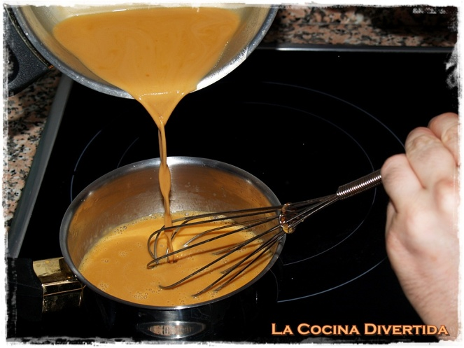 Espuma de caramelo con piñones