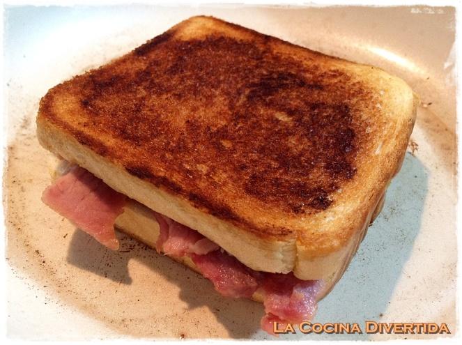 sandwich lacon patatas pimientos