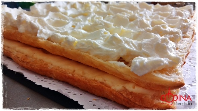 tarta hojaldre rellena crema y nata