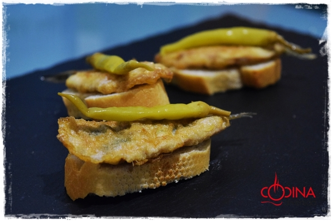 anchoas rebozadas con piparras
