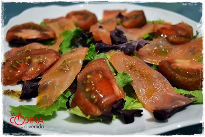 ensalada salmon vinagreta de parmesano