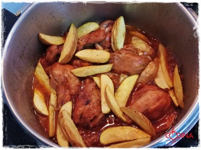 muslos de pollo a la coca-cola con patatas gajo